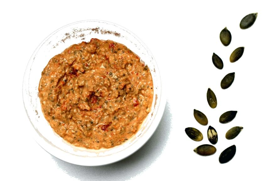 Salsina di semi zucca e pomodorini secchi 4